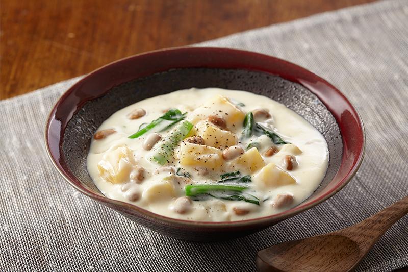 じゃがいもと小松菜の納豆クリームスープ